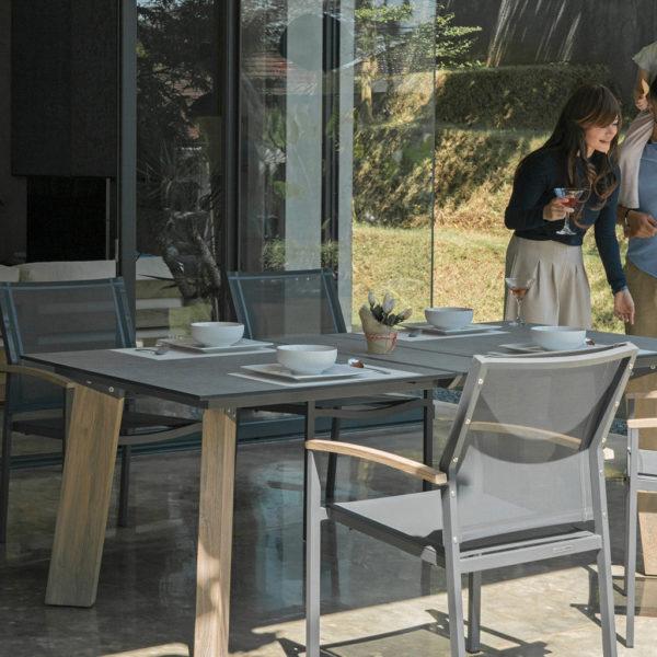 Zebra Tisch Styx – sofort verfügbar!
