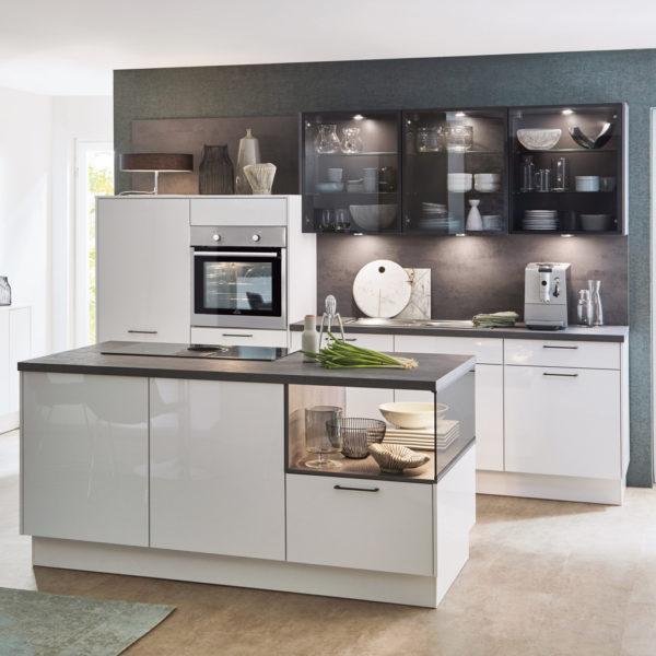 nobilia® Küche mit Kochinsel Flash